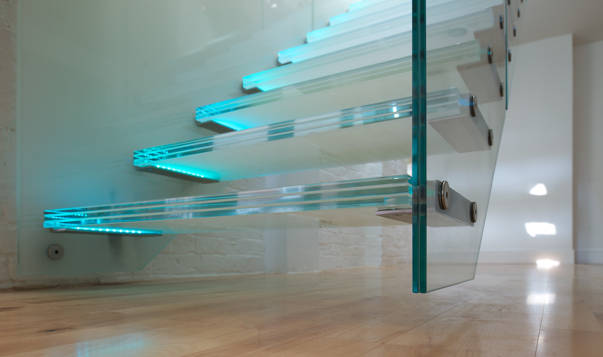 stairs hanging glass tintab contemporary bespoke design manufacturing in newhaven east sussex bespoke glass staircase